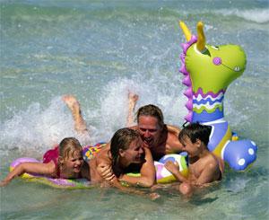 Дети на море